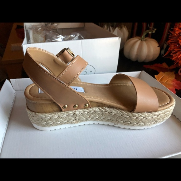 09a0d4d4fc3 Steve Madden Shoes | Tan Sandals Chiara Nude Leather | Poshmark